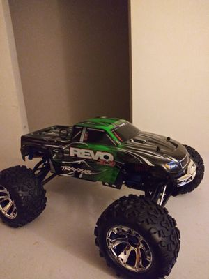 Like new Traxxas 3.3 Nitro Revo Bluetooth controller for Sale in Columbus, OH
