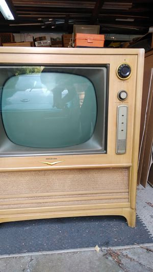 Rca model21-s-523w mid 50s b/w tv for Sale in Cleveland, OH