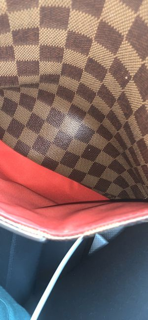 Louis Vuitton bag for Sale in West Islip, NY