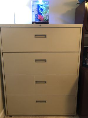 "Lateral File Cabinet 42"" x 18"" for Sale in Hialeah, FL"