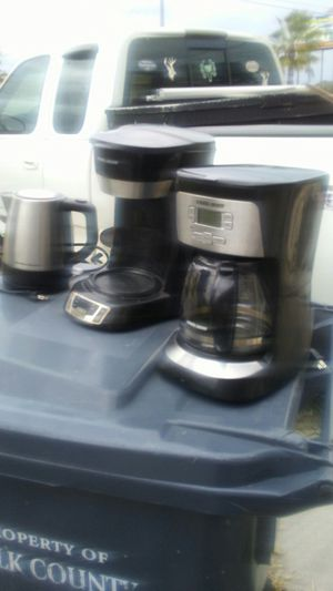 (2) black & decker coffee makers & (1) more for Sale in Haines City, FL
