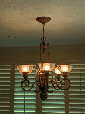 Free - Working 6 bulb pineapple chandelier for Sale in Palm Beach Gardens, FL