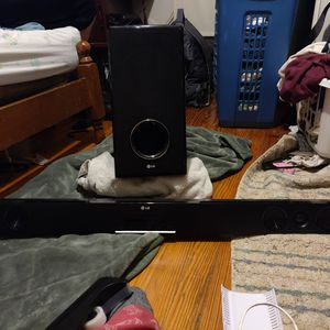 LG Sound bar & Subwoofer (Bluetooth/Wireless) Surround Sound for Sale in Sykesville, MD