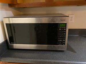 Working large Panasonic microwave for Sale in Columbia, SC