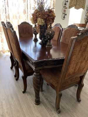 Dining room table for Sale in Erie, CO