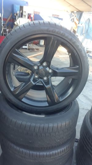 4 RIMS & TIRES RUN FLAT .FOR CHEVY CAM0ARO 5×4/3/4 >245=40=20 for Sale in Los Angeles, CA