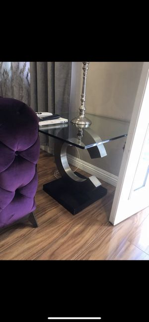 Beautiful Coffee Table and Side table for sale, very good condition . for Sale in Los Angeles, CA