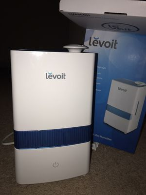LEVOIT ULTRASONIC COOL MIST HUMIDIFIER LV450CH LIKE NEW for Sale in Worcester, MA