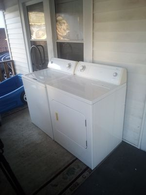 Whirlpool Commercial quality Extra large Capacity washer and dryer set! Both work great! ( 2 week money back guarantee!) for Sale in High Point, NC