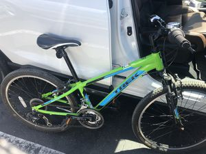 Trek Youth Bicycle MT-200 for Sale in Del Mar, CA