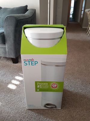 Pamper trash can( equivalent to Diaper Genie) for Sale in Smyrna, GA