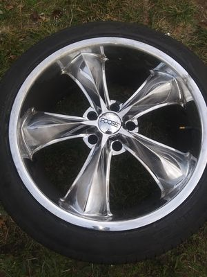 I have four rims and tires Foose wheels fit Chevy 4 rims 18 inch for Mustang brand for Sale in Providence, RI
