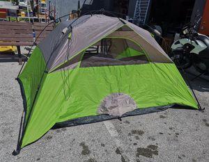 10 x 10 Camping tent Ozark Trail for Sale in Miami, FL