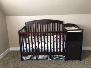 Baby crib with changing table, trundle drawer and hamper for Sale in Murray, UT