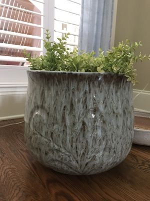 Large glazed ceramic planter for Sale in Thompson's Station, TN