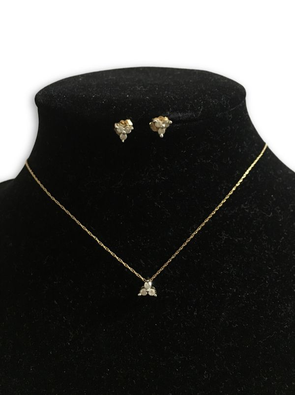 10k diamond delicate set