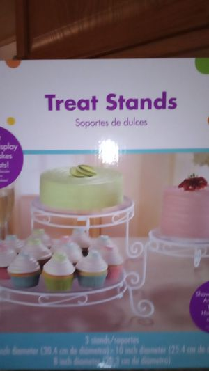 3 treat stand s for Sale in ROXBURY CROSSING, MA