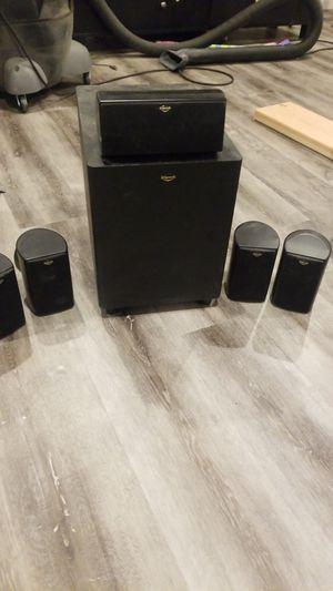Klipsch subwoofer and 5 speakers for Sale in East Brunswick, NJ