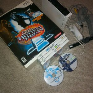 Nintendo Wii bundle. Mario Kart Super Smash Bros for Sale in Elkridge, MD