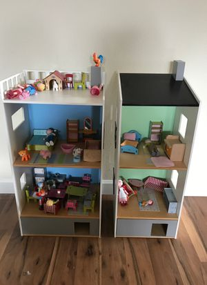 Amazing doll house with all of the accessories for Sale in Woodinville, WA