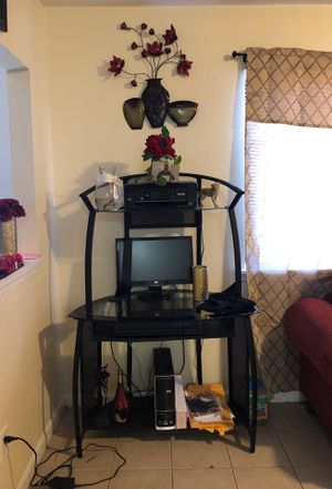 Desk top for Sale in Durham, NC