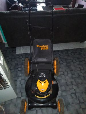 Poulan lawn mower for Sale in Staten Island, NY