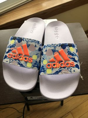 Adidas Slides Size 4,New Never Worn for Sale in Kalamazoo, MI
