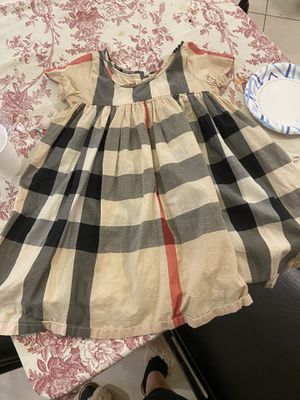 Burberry 12m-6T dresses and slippers Gucci shorts 6T for Sale in Marlboro Township, NJ