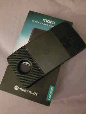 Moto proyector portátil for Sale in Durham, NC