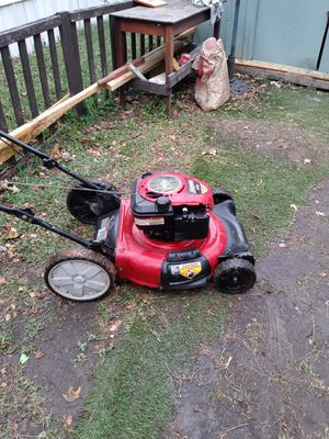 Craftsman lawn mower for Sale in Dallas, TX