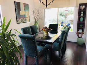 Beautiful Dining table and 6 chairs for Sale in Modesto, CA