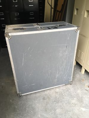 Musical instrument case on wheels $50 for Sale in Bradley, FL