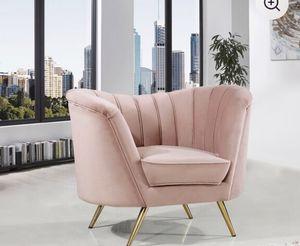 Velvet Accent chair. BRAND NEW for Sale in Miami, FL