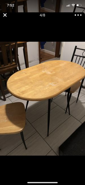 Small kitchen table with 2 chairs. for Sale in Malden, MA