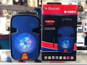 1500 Watts KARAOKE BLUETOOTH SPEAKER** microphone AND accessories for Sale in Los Angeles, CA