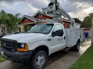 1999 Ford F450 , 35' Altec Buck truck for Sale in Lynwood, CA
