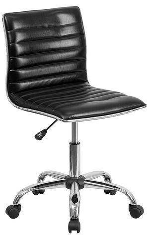 Black task chair **new in box for Sale in Fresno, CA
