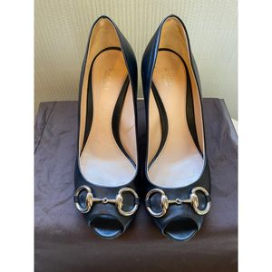 Authentic GUCCI Nappa Steve Black Peep Toe Pumps Size 37 for Sale in San Diego, CA
