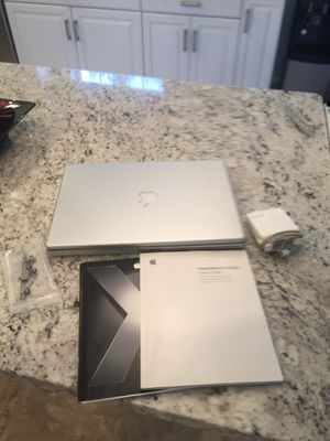 APPLE POWERBOOK G4 WITH CHARGER AND USER GUIDE for Sale in Trumbull, CT