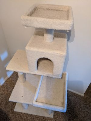 5ft cat tree for Sale in Strongsville, OH