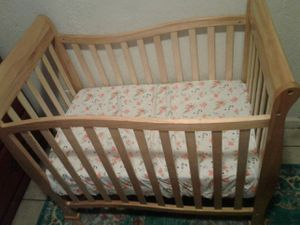 Mini baby Crib for Sale in Los Angeles, CA