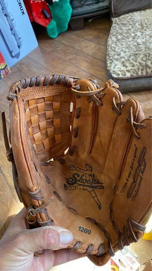 Shoeless Jane softball glove. for Sale in Queen Creek, AZ
