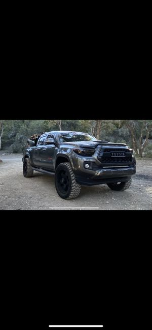 Toyota Tacoma 2017 trd 4x4 for Sale in Las Vegas, NV