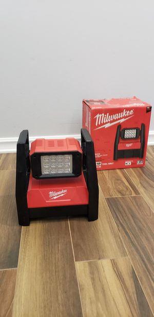 Milwaukee M18 18-Volt Lithium-Ion Cordless 3000-Lumen ROVER LED AC/DC Flood Light (Tool-Only) for Sale in San Diego, CA