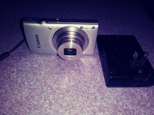 Canon power shot camera for Sale in Fayetteville, GA