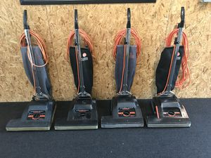 """Hoover Conquest Vacuum 18"""" Bar for Sale in Everett, WA"""