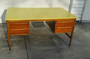 Wood Desk Vintage Mid-century for Sale in Hamilton, OH