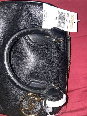 Mk small hand bag for Sale in Houston, TX