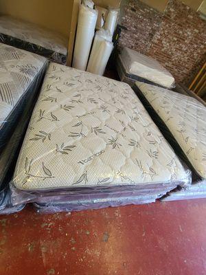 Queen regular mattress for Sale in Fresno, CA