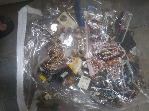 Bag of jewelry for Sale in Phoenix, AZ